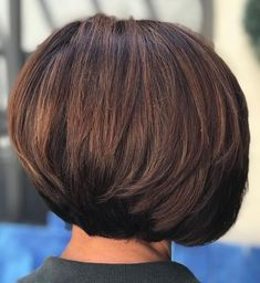 Stacked Brunette Balayage Bob--this girl has as much hair as I do! Bob Hairstyles 2018, Short Hairstyles For Thick Hair, Layered Bob Hairstyles, Haircut For Thick Hair, Cool Hairstyles, Bob Haircuts, Medium Hairstyles, Classic Hairstyles, Braided Hairstyles