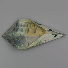stern-aus-geldscheinen-bastelanleitung6 Folding Money, Christmas Stars, Wrapping Gifts, Tutorials, Dekoration