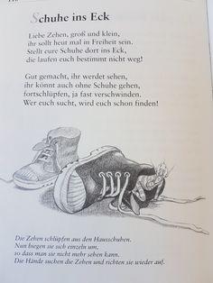 Schuhe ins Eck #fingerspiel #krippe #kita #kindergarten #kind #reim #gedicht #erzieherin #erzieher #fuß Kindergarten Portfolio, World Languages, Learn German, German Language, Montessori, Poems, Teaching, Education, Crafts