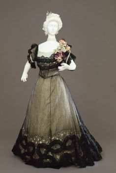 Evening dress ca. 1900 From the Galleria del Costume di Palazzo Pitti via Europeana Fashion