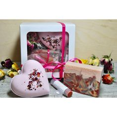 Valentines Day, Lovely Bath Gift Set, Heart Bath Bomb and Rose Soap... (€9,40) ❤ liked on Polyvore featuring beauty products, bath & body products and body cleansers