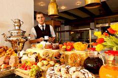 Frühstücksbuffet / Breakfast Buffet | H+ Hotel Alpina Garmisch-Partenkirchen