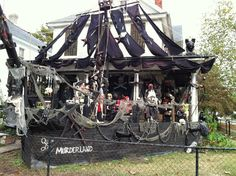 Whine, Dine and Design: Argh Matey! Pirate Halloween Decorations, Pirate Decor, Halloween Graveyard, Halloween Porch, Outdoor Halloween, Creepy Halloween, Pirate Theme, Pirate Party, Halloween Stuff
