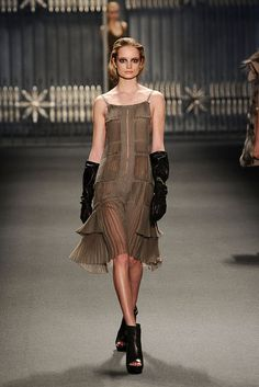 Women's Fashion - Inspired by English aristocracy of the 1930s