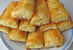 Plain pie with cow cheese Russian Cakes, Russian Desserts, Russian Recipes, Turkish Recipes, Cooking Forever, Baking Recipes, Dessert Recipes, Sweet Pastries, Saveur