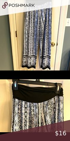 Women's pants AB Studio brand wide leg pants, size Medium. Soft flowy pants great for Spring and Summer. Smoke free home. Flowy Pants, Wide Leg Pants, Pants For Women, Abs, Smoke Free, Studio, Medium, Best Deals, Spring