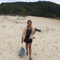 Love Live Laugh at the beach  #travelling #beach #laugh #love #ootd #summer #exploreindonesia #explorelampung #pahawangisland #tanjungputusisland