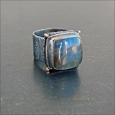 Перстень с лабрадором