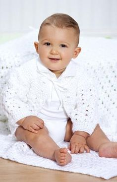 Shell Stitch Christening Set Free Crochet Pattern from Red Heart Yarns