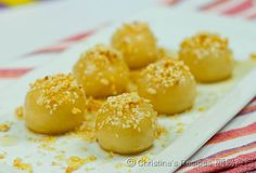 Baked Peanut Dumplings (Chinese New Year) - The Best Authentic Mexican Recipes Authentic Mexican Recipes, Easy Chinese Recipes, Asian Recipes, Easy Recipes, Agaves, Dessert Dishes, Dessert Recipes, Mochi, Sesame Seeds Recipes