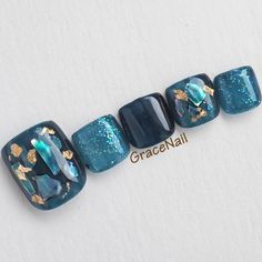 The advantage of the gel is that it allows you to enjoy your French manicure for a long time. There are four different ways to make a French manicure on gel nails. Pedicure Designs, Pedicure Nail Art, Toe Nail Designs, Toe Nail Art, Blue Pedicure, Cute Toe Nails, Pretty Nails, My Nails, Nail Swag