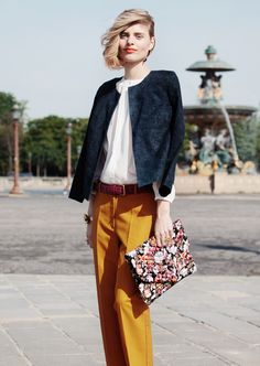bold lips, bold mustrad trousers & print clutch #style #fashion #streetstyle