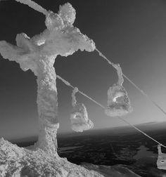 Ski lift or snow lift?