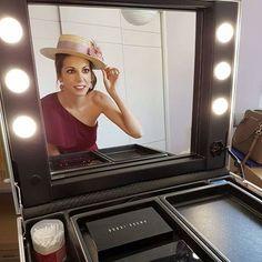Cantoni Makeup station with loights. Photo: Natalia Taramazzo MUA, Spagna Make up station mode.VT101.CTR #cantonifanfriday #makeupstation #mua #makeupartist #cantonimakeup
