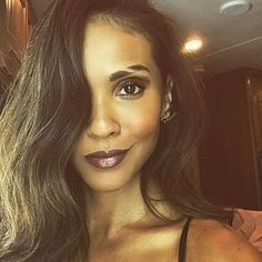 post by Lesley-Ann Brandt Shave Eyebrows, How To Do Eyebrows, Lesley Ann Brandt, Lucifer Mazikeen, Make Up Brush, Eyebrow Slits, Pretty People, Makeup Looks, Hair Makeup