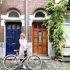 #Veloretti #Velorettiamsterdam #Amstergram #vanillamilkshake #vanilla #milkshake #design #Monday #citybike #bike #bicycle