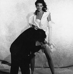 Photo by Peter Lindbergh, makeup by Stephane Marais and hair by Julien D'ys. Peter Lindbergh, Linda Evangelista, Vintage Vogue, Vintage Fashion, Azzedine Alaia, New Fragrances, Naomi Campbell, S Girls, Supermodels