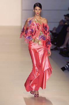 Valentino - Ready-to-Wear Spring / Summer 2001