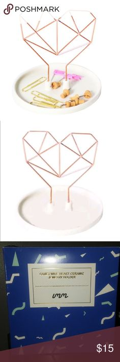 "Coxet Wire Ceramic Jewelry Holder Design-Rose Gold NIB. Coxet Wire Ceramic Jewelry Holder Design-Rose Gold Material: Porcelain & Copper Size: 5"" x 5"" x 7"" Jewelry"