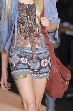Anna Sui Spring 2011 - Details