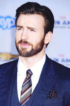 I love Evans with a beard!