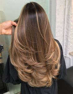 Most Popular Blonde Hair Color Looks for 2020 Stylesmod - - blonde color hair looks popular stylesmod # Brown Hair With Blonde Balayage, Hair Color Balayage, Blonde Color, Honey Highlights, Blond Brown Hair, Blonde Balayage Highlights On Dark Hair, Colored Highlights, Pretty Brown Hair, Caramel Brown Hair