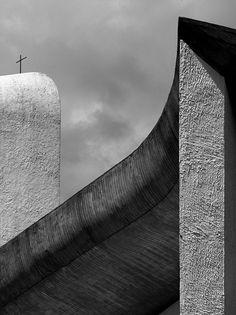 Chapelle Notre Dame du Haut, Ronchamp, France by Le Corbusier (1955)