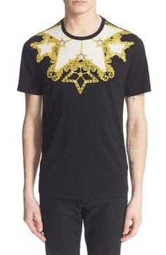 Versace Baroque Print T-shirt In Black/ Gold Versace Mens Shirt, Versace Jacket, Versace Top, Cotton Shirts For Men, T Shirt Image, T Shirt And Jeans, Cut Shirts, Baroque, Shirt Designs