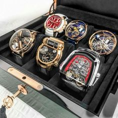 Mens Luxury Watch Collection Yeah thats awesome while you should see what the fuck ive got going on Im going to lose my fucking home Fancy Watches, Expensive Watches, Stylish Watches, Luxury Watches For Men, Cool Watches, Seiko Diver, Swiss Army Watches, Seiko Watches, Beautiful Watches