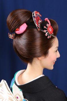 髪型 Hair Dos, Your Hair, Updo Styles, Hair Styles, Geisha Art, Japanese Hairstyle, Hair Reference, Girl Hairstyles, Hair Makeup