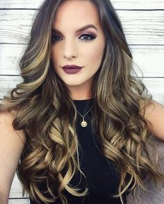 Long curled dark brown locks with sunflower-blonde balayage. when i see all these fall hair color for brunettes balayage brown caramel it always makes me Ombré Hair, Hair Dos, New Hair, Wave Hair, Hair Highlights, Color Highlights, Hair Hacks, Hair Trends, Hair Inspiration