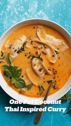 Healthy Soup Recipes, Thai Recipes, Asian Recipes, Vegetarian Recipes, Cooking Recipes, Summer Soup Recipes, Coconut Soup Recipes, Vegetarian Soup, Drink Recipes