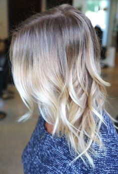 Ombre hair has become extremely popular over the past several years the ends of their hair blonde truth be told, Ombre comes in absolutely every shade! Blonde ombre hair only works . Love Hair, Gorgeous Hair, Great Hair, Beautiful, Light Blonde Hair, Blonde Lob, Darker Blonde, Fall Blonde, Wavy Lob