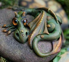 OOAK dragon sculpture by Feythcrafts on Etsy Polymer Clay Dragon, Polymer Clay Crafts, Sculptures Céramiques, Sculpture Clay, Fantasy Dragon, Dragon Art, Dragon Garden, Magical Creatures, Fantasy Creatures