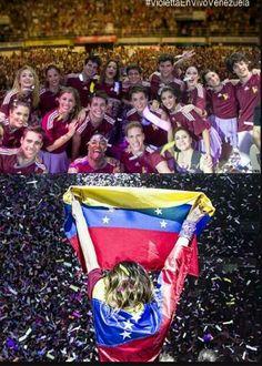 Momento emotivo para Venezuela con #Violettaenvivo