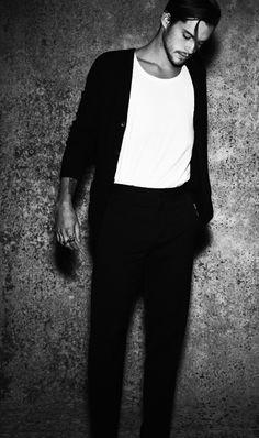 #blackandwhite #mensoutfit #fashion #menswear #malemodel #mensoutfit #barney-barrett #barneybarrett