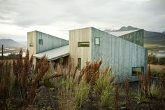 Say Goodbye To Concrete Drab: Minimalist Homes Made Of Wood - Explore, Collect and Source architecture