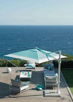 Une terrasse sublime en bord de mer