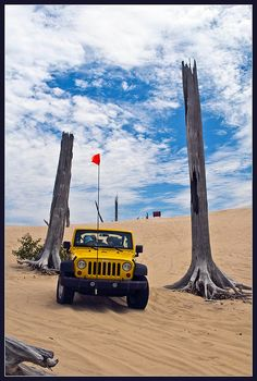 Silver Lake sand dunes Jeep by X-Brit, via Flickr