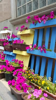 44 Best Ideas for Reusing Wooden Pallets in the Garden Pallet Creative Ideas, Pallet Ideas, Herb Planters, Garden Deco, Rooftop Garden, Diy Garden Projects, Wooden Pallets, Raised Garden Beds, Plant Decor