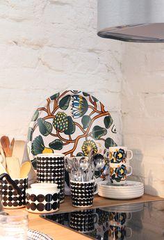 hunajaista oiva marimekko China Art, Marimekko, Inspired Homes, Scandinavian Style, Home And Living, Decorating Your Home, Home Accessories, Beautiful Homes, Sweet Home