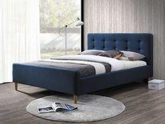Bleumarin - o culoare foarte potrivită pentru decorarea dormitorului. Evocă seninătatea şi vă face să visaţi, de pildă, la Mările Sudului :)
