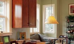 http://homerenovations.about.com/od/kitchendesign/ss/KitchenPaintColors_20.htm