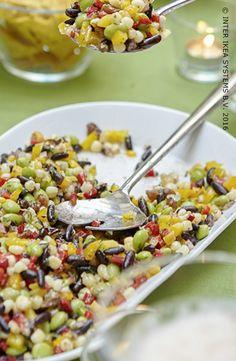 Het beste moment van de week? Een gezonde maaltijd met voorjaarssmaken. Ontdek onze ideeën voor een diner met vrienden of familie! #IKEABE # aantafel