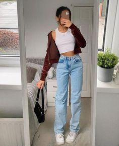 Indie Outfits, Teen Fashion Outfits, Retro Outfits, Cute Casual Outfits, Stylish Outfits, Summer Outfits, Grunge Outfits, Outfits With Mom Jeans, Cute Jean Outfits