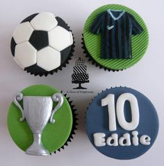 Football Cupcakes - Cake by Angela - A Slice of Happiness : Football Cupcakes - Cake by Angela - A Slice of Happiness Football Cupcake Cakes, Deco Cupcake, Soccer Birthday Cakes, Cupcakes For Men, Football Cupcakes, Soccer Cake, Holiday Cupcakes, Fondant Cupcake Toppers, Football Birthday