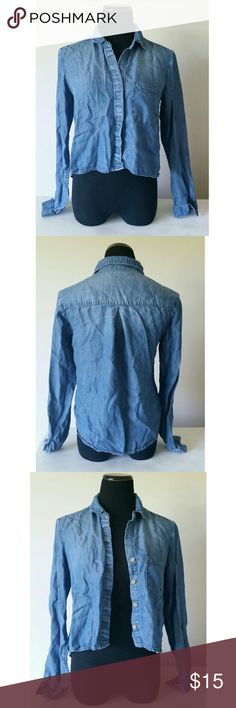Anthropologie Chambray denim button down top Denim chambray collared button down from Anthropologie brand Cloth and Stone! The material is very soft (not stiff at all) and in great condition. Size small.  I SELL CHEAPER ON OTHER SITES! Anthropologie Tops Button Down Shirts
