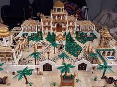 Repost from - The palace fifth layout 2017 Zoo Lego, Chateau Lego, Lego Indiana Jones, Lego Builder, Lego Castle, Lego Worlds, Cool Lego Creations, Lego Projects, Amusement Park