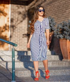 Pin by maria J on new mar in 2019 Modest Dresses, Modest Outfits, Cute Dresses, Beautiful Dresses, Dresses With Sleeves, Jean Dress Outfits, Curvy Outfits, Fashion Outfits, Work Dresses For Women