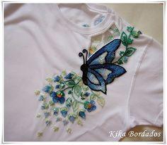 Camiseta vazada com borboleta azul02